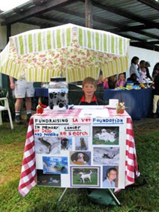 Pupil makes donation to SA Veterinary Foundation