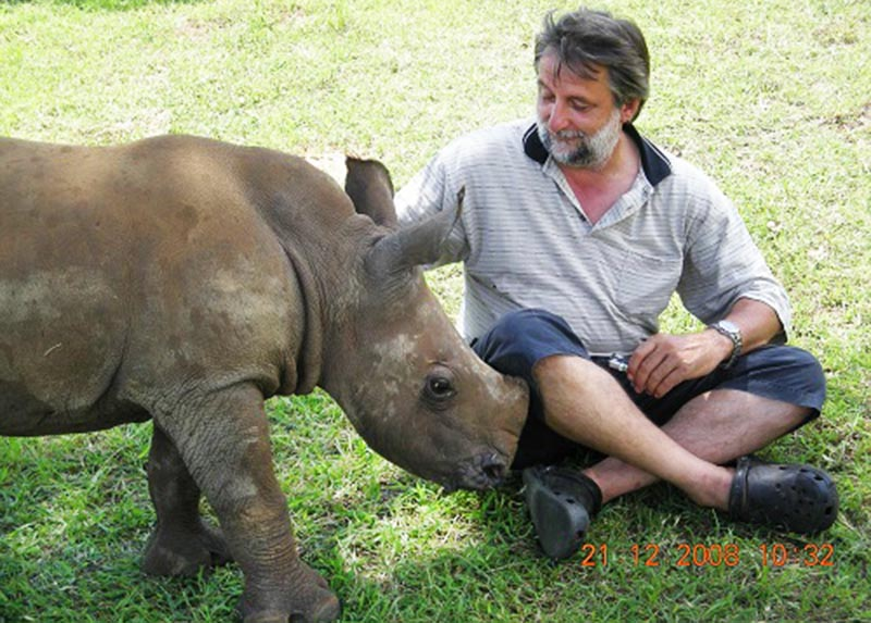 Veterinarian donates R50 000 to the Rhino Conservation Fund