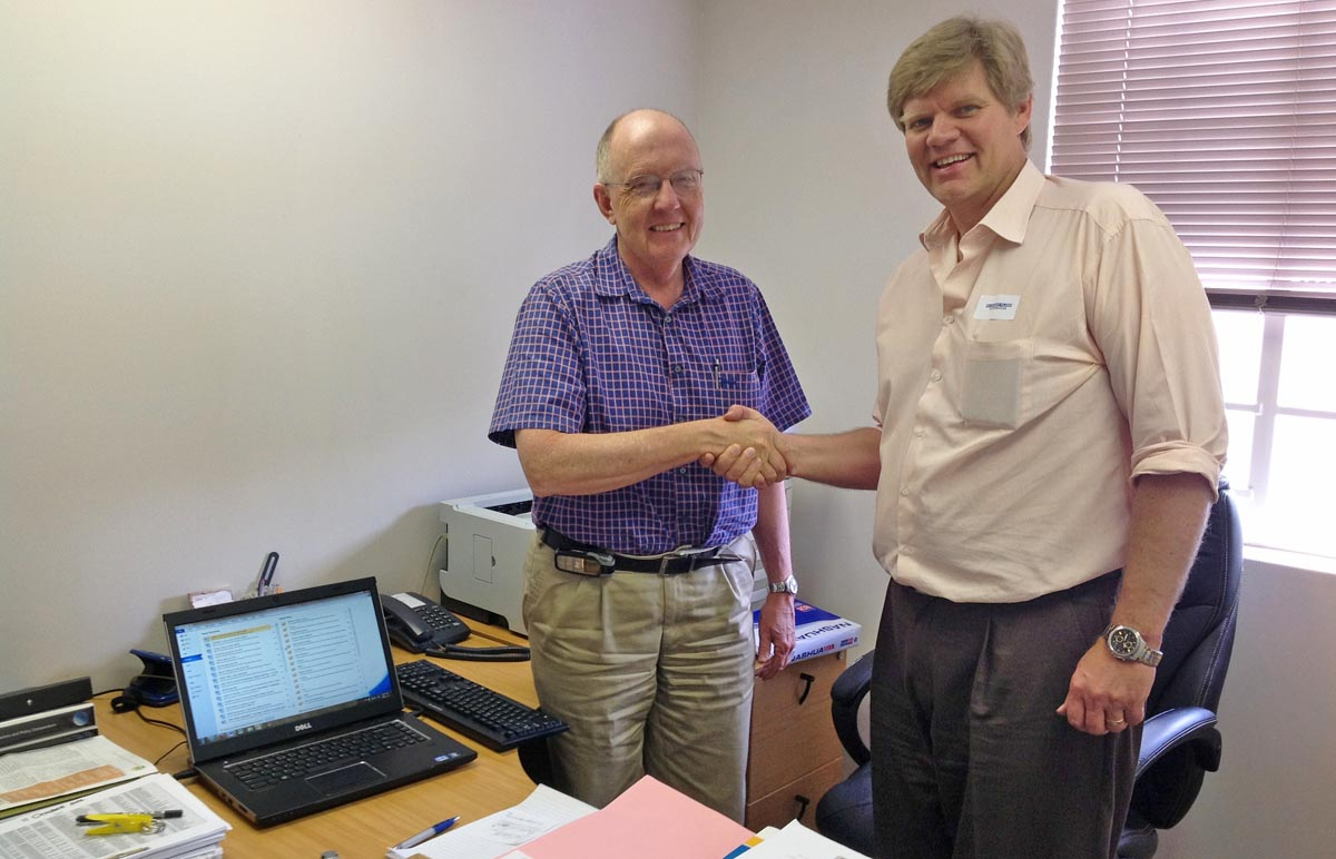 SA Veterinary Foundation contributes towards upgrading of computers at VetHouse