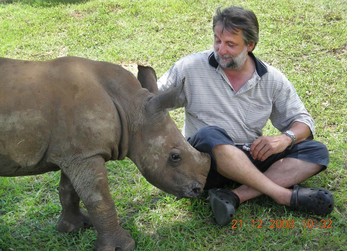 Vets United against Rhino poaching