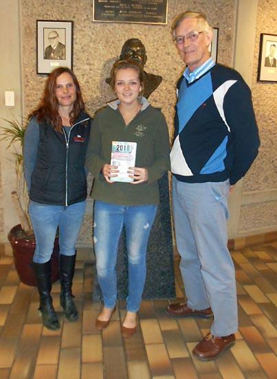 SA Veterinary Foundation donates books