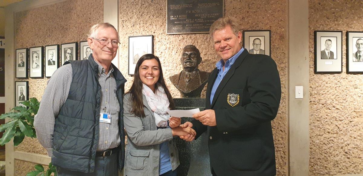 Students receiving SAVF bursaries